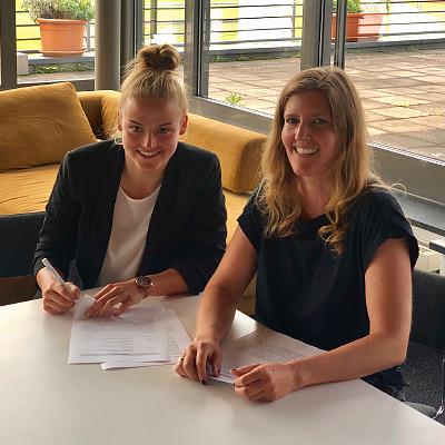 Lena Uebach verlängert in Leverkusen